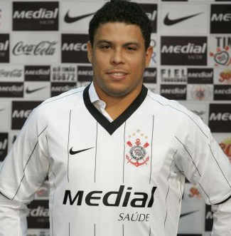 http://meucorinthians.files.wordpress.com/2009/09/ronaldo1.jpg